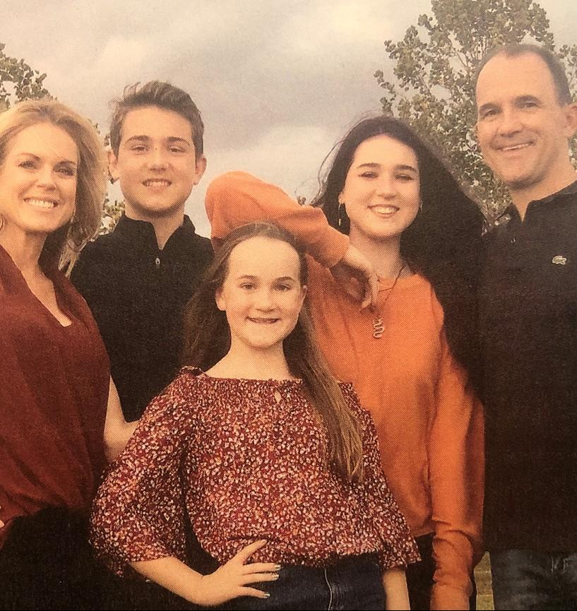 Photo of the Sarnecki family, courtesy of Fightingillini.com